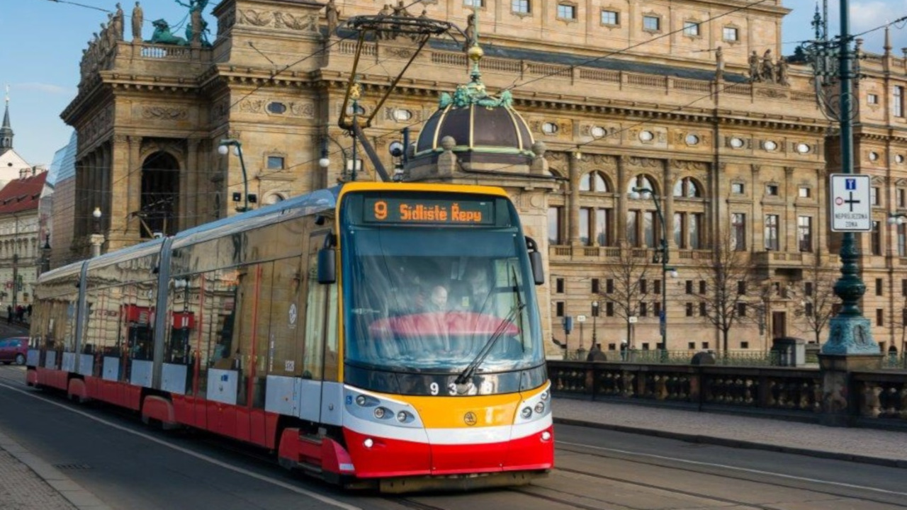 image-anti-collision-system-for-trams
